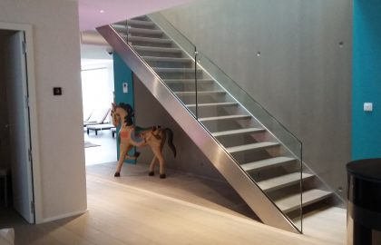 Escaliers, Inox